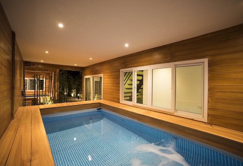 The M Pool Villas Bangkok - BTS Ekkamai, Bangkok