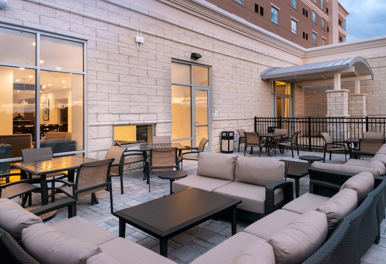 Holiday Inn Hotel & Suites Farmington Hills - Detroit NW, Farmington Hills, Teras/Veranda