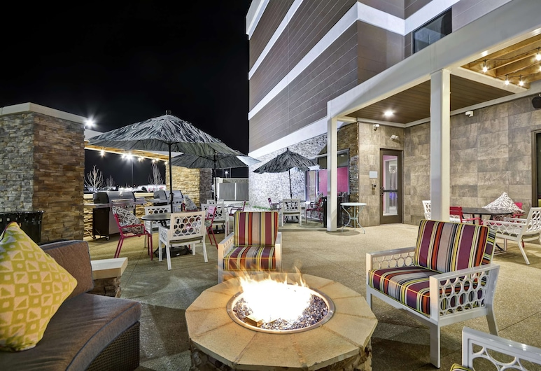 Home2 Suites by Hilton KCI Airport, קנזס סיטי, מרפסת/פטיו