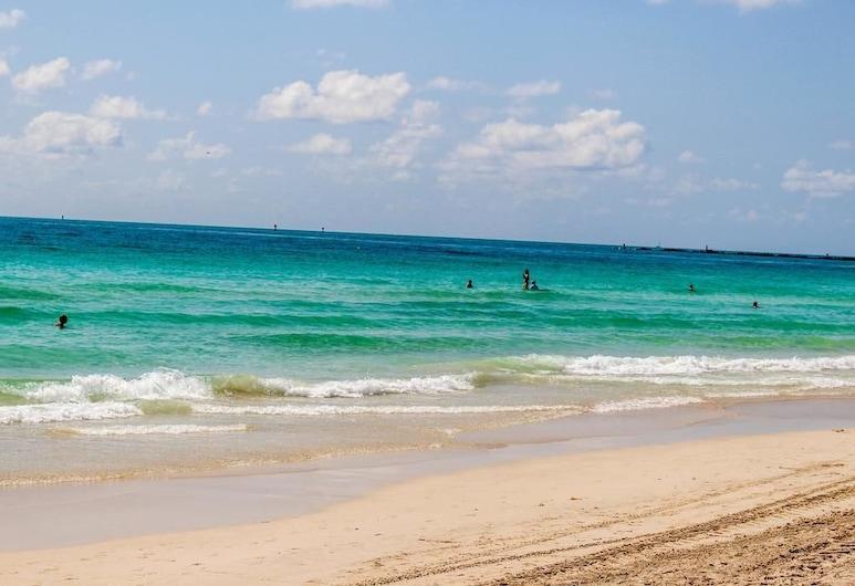 2 Bedroom 2 Bath Penthouse on the Beach, Miami Beach, Ranta