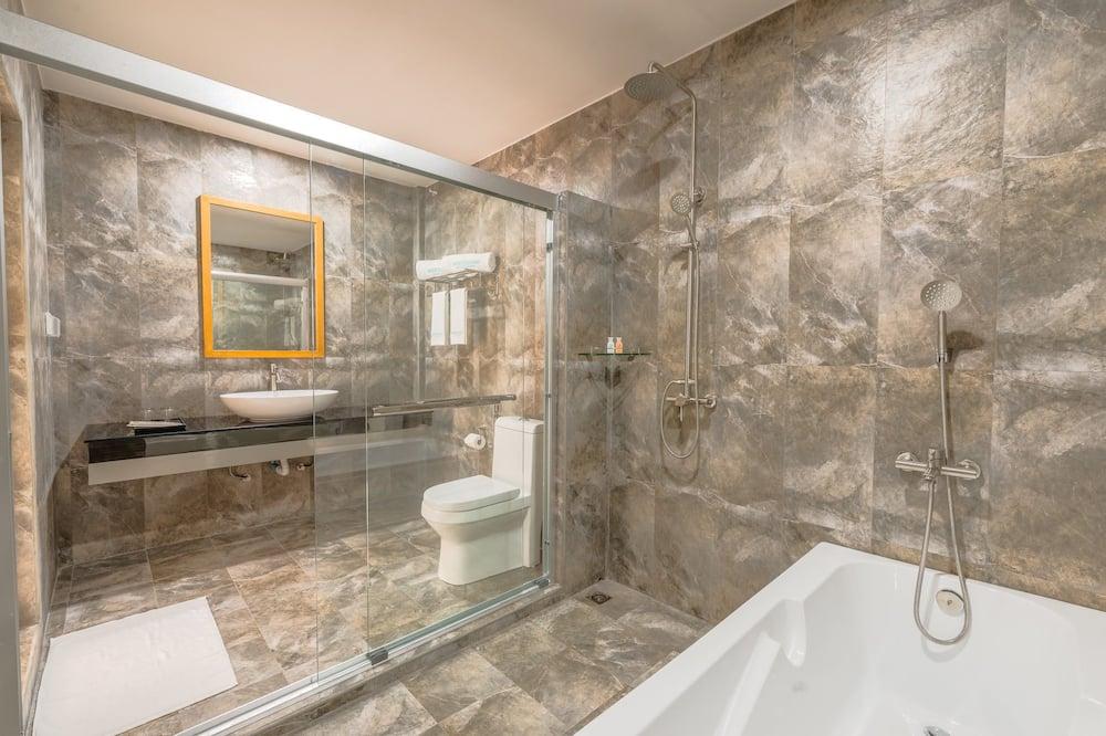 غرفة ديلوكس - بحوض استحمام - شُرفة