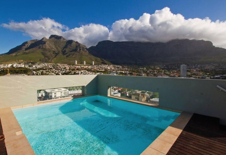Cape Town CBD Flat with Mountain Views, Cape Town