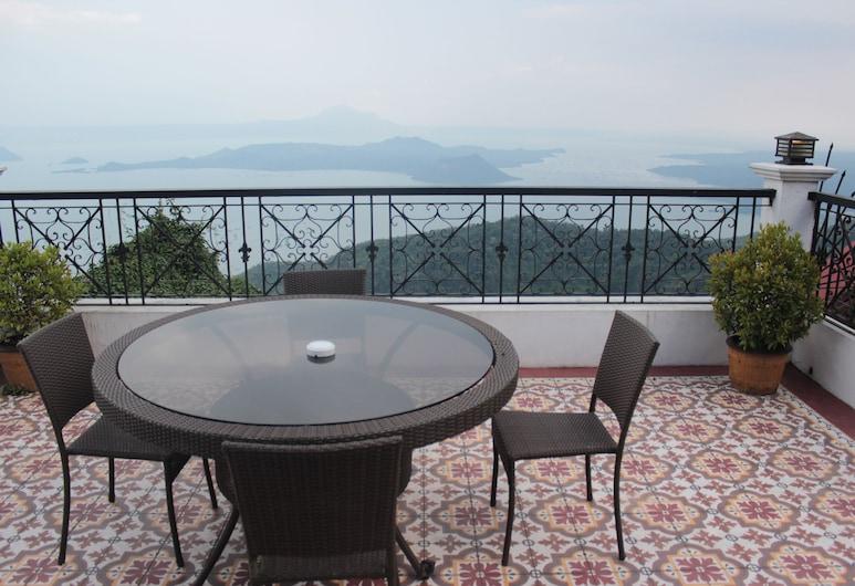 Villa Ibarra, Tagaytay, Standarta numurs (XOXO Attic with Veranda), Balkons