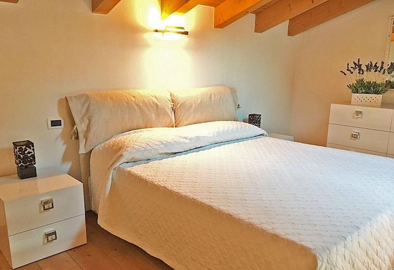 Belvedere Apartment with Garden, Toscolano Maderno
