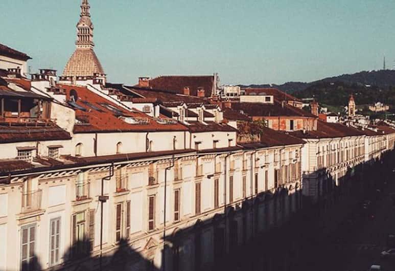 Colazione in Piazza Castello, Torino, Vista dall'hotel