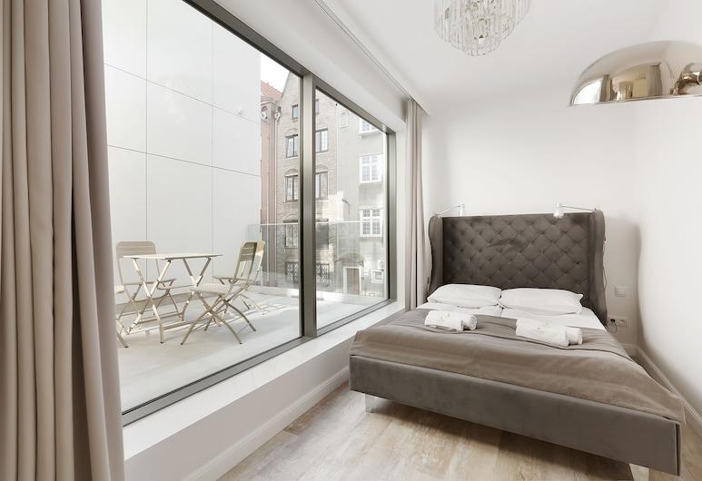 Lavoo Boutique Apartments, Gdańsk, Apartament typu Exclusive, Łóżko podwójne i sofa, taras, widok na miasto nr 6 , Widok zpokoju