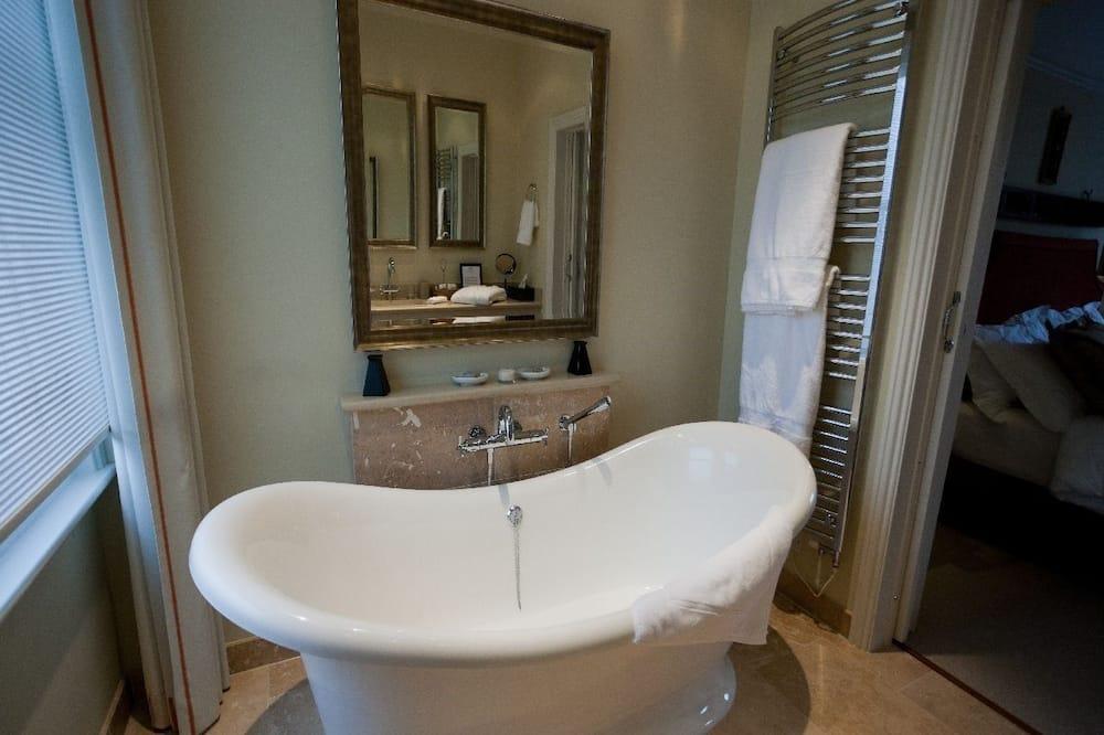 Deluxe Suite, Ensuite (Studio Suite) - Bathroom