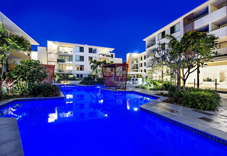 Waterford Private Apartments, Bundall, Outdoor Pool