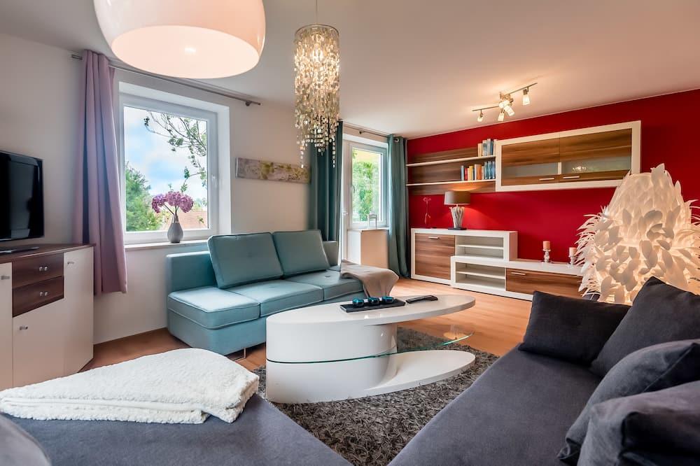 Standard Apartment, 3 Bedrooms - Living Room