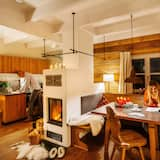 Family House, 2 Bedrooms, Sauna, Mountainside - Living Area