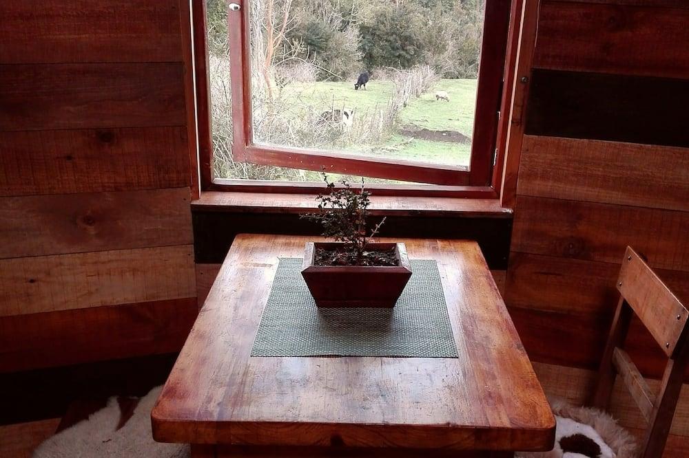 Стандартний котедж, 1 ліжко «квін-сайз», тераса - Обіди в номері