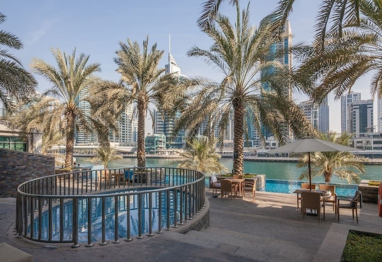 HiGuests Vacation Homes - Park Island, Dubai, Utomhuspool