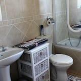 4 Skilpadjie - Bathroom