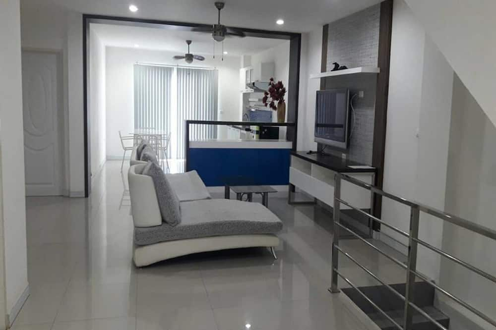 VIP - 2 Bedroom - Living Room