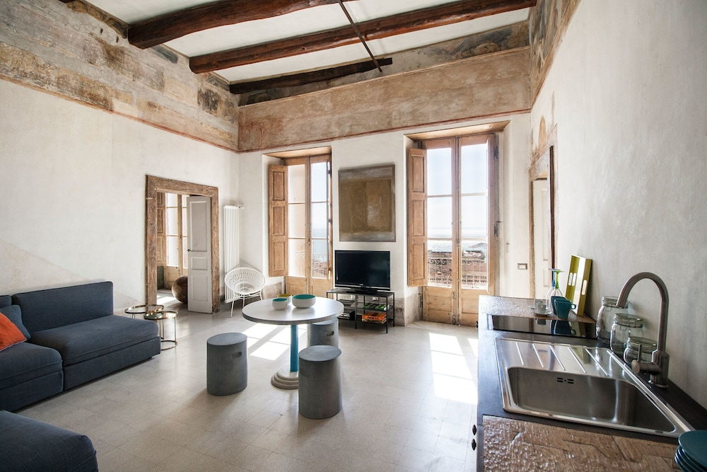 Prenota TROTULA CHARMING HOUSE - Olimpia\'s Flat a Salerno - Hotels.com