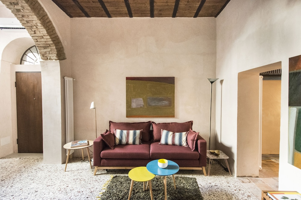 Prenota Trotula Charming House - Ade Vintage Studio a Salerno ...