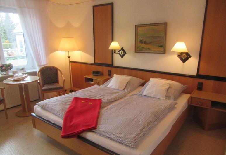 Hotel Pension Zum Hanseaten, בורקום, חדר קומפורט זוגי, מרפסת, חדר אורחים