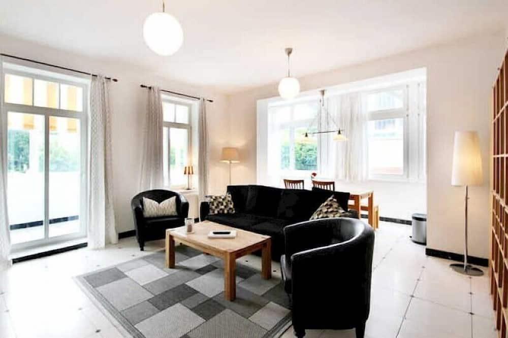 شقة - غرفة نوم واحدة - لغير المدخنين - غرفة معيشة