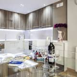 Apartment, 3 Bedrooms, Terrace - In-Room Dining