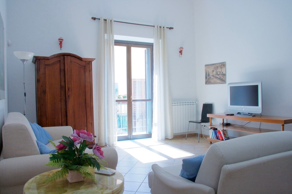 Book Le Pergole Holiday Apartments in Palermo   Hotels.com