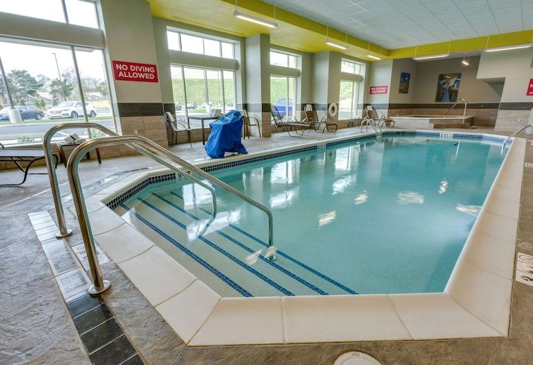 Drury Inn & Suites Pittsburgh Airport Settlers Ridge, Pittsburgh, Piscina