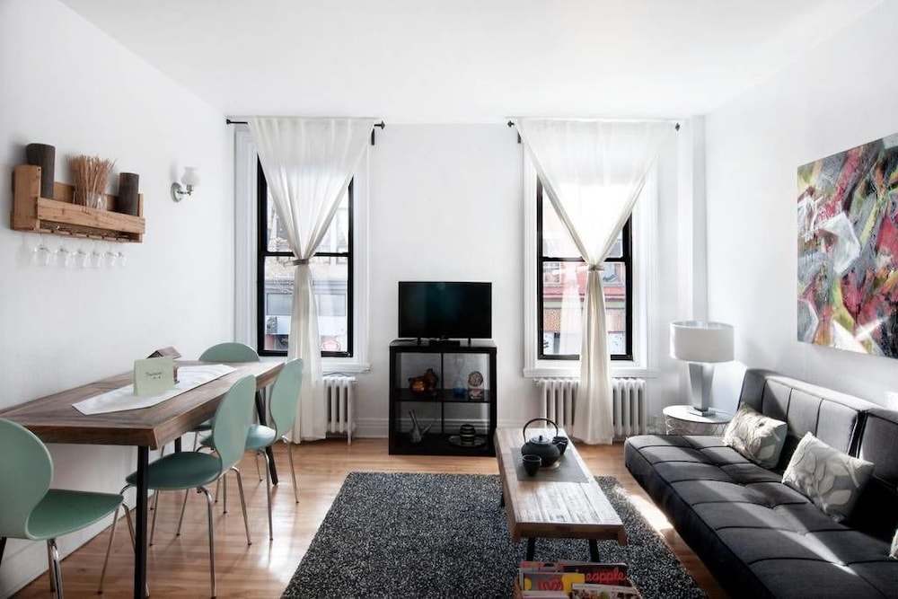 Two Bedroom Apartment In The Plateau Montreal