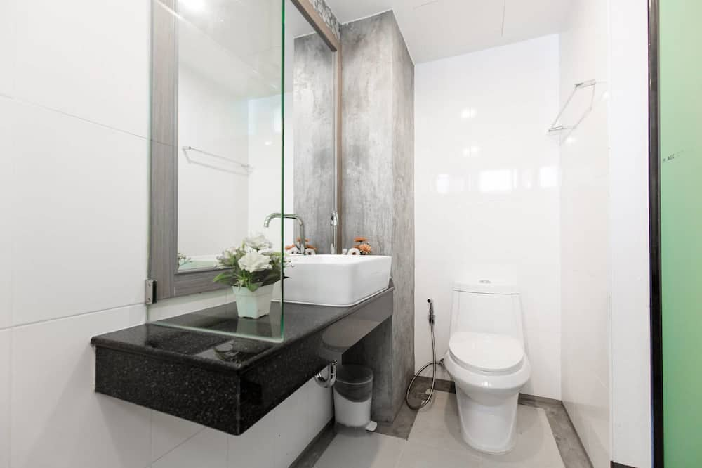 Standard Room - Badezimmer