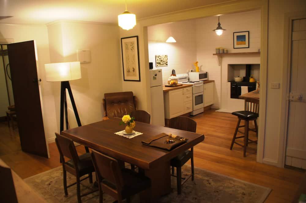 Klasiska māja, divas guļamistabas (The Farmers Cottage) - Numura ēdamzona