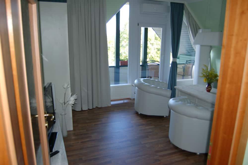 Double Room Studio, Balcony - Nappali rész