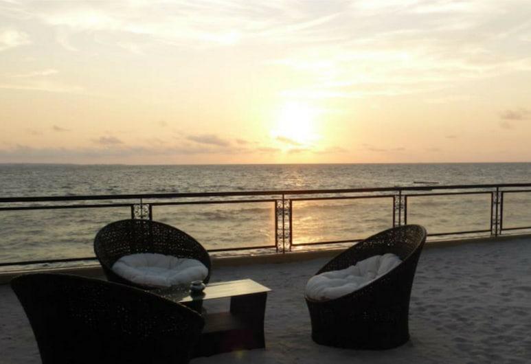 ROYAL PALM, Libreville, Strand