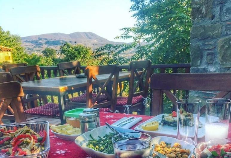 Panos Ciftlik, Gökçeada, Açık Havada Yemek