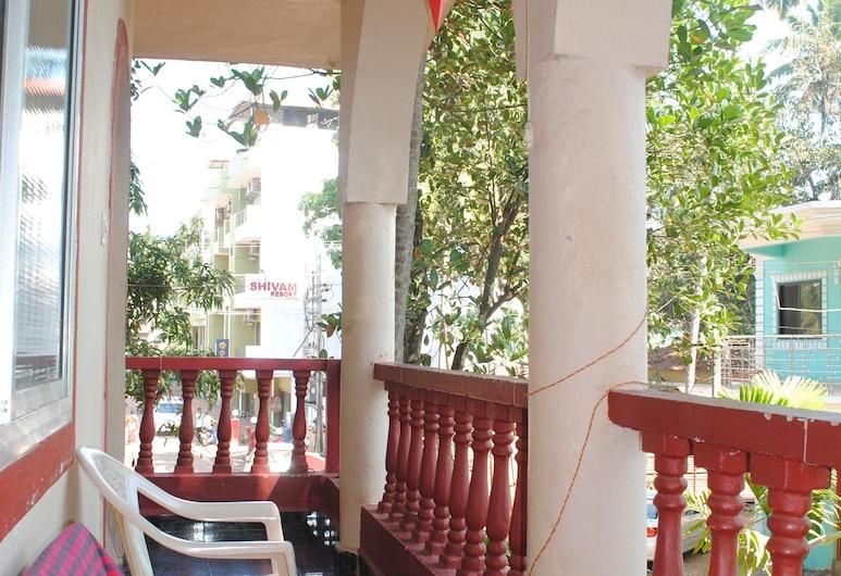 喬與馬里耶塔旅館, Calangute, 舒適公寓, 3 間臥室, 私人浴室, 花園, 露台