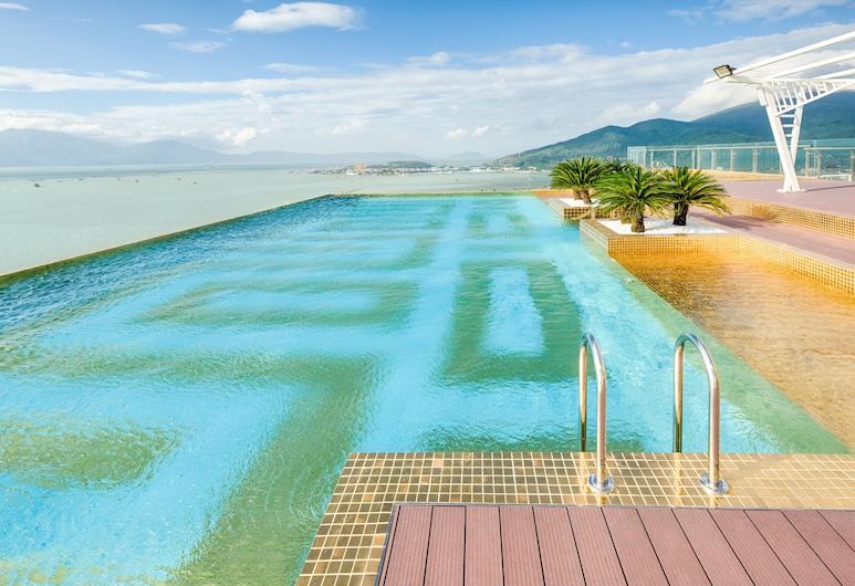 Danang Golden Bay, Da Nang, Rooftop Pool