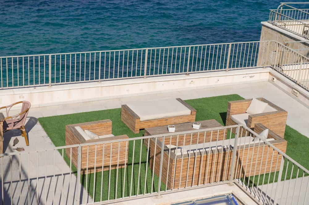 Deluxe Apartment, Ocean View, Sea Facing - Balcony