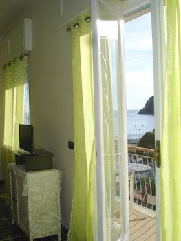 Monterosso al Mare bölgesindeki Maria's House resmi