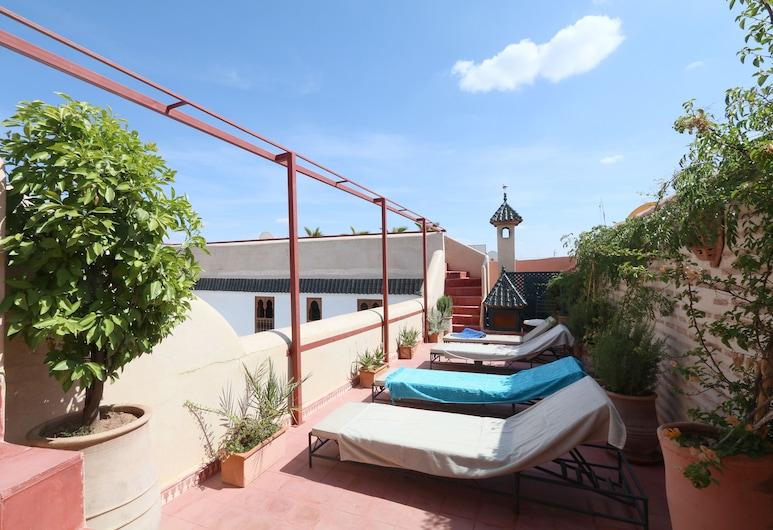 吉那比庭院飯店, 馬拉喀什, 室外用餐