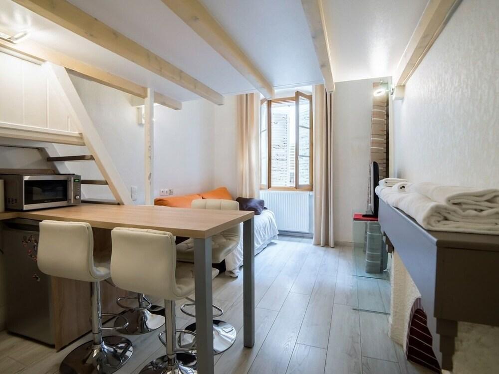 Book Morens Studio Mezzanine Vieille Ville in Annecy | Hotels.com