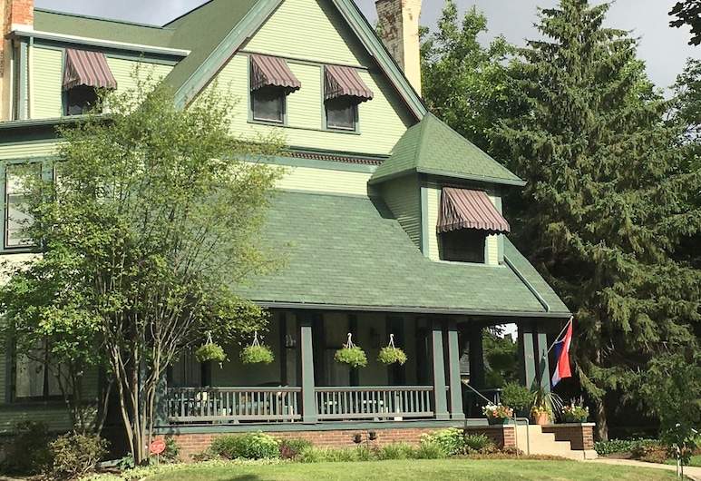 The Parsonage Inn LLC, Grand Rapids