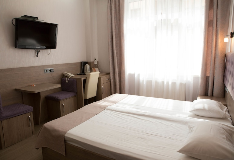 Hotel Elegant, Kyiv, Apartmá s ložnicí a obývacím koutem, Pokoj