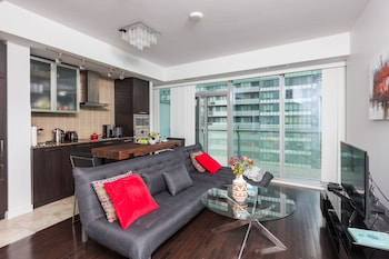 Picture of Applewood Suites - 3 Bed Waterfront Area in Toronto