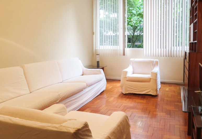 LinkHouse Classic & Spacious Leblon 3BDR LB2-002, ריו דה ז'ניירו, דירה (LB2-002), סלון
