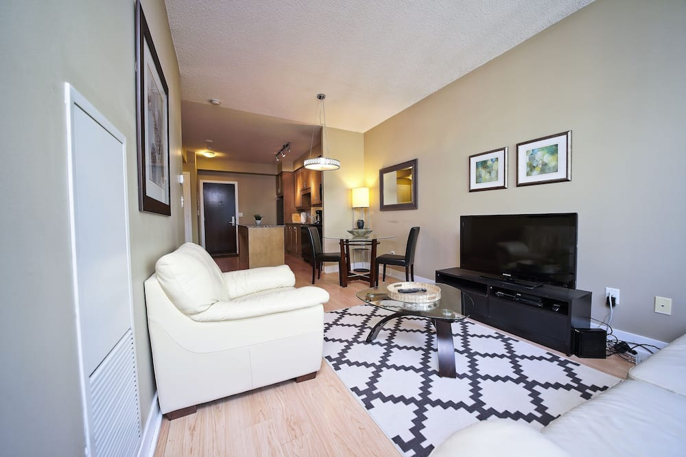 Business Condo, 1 Bedroom - Living Room