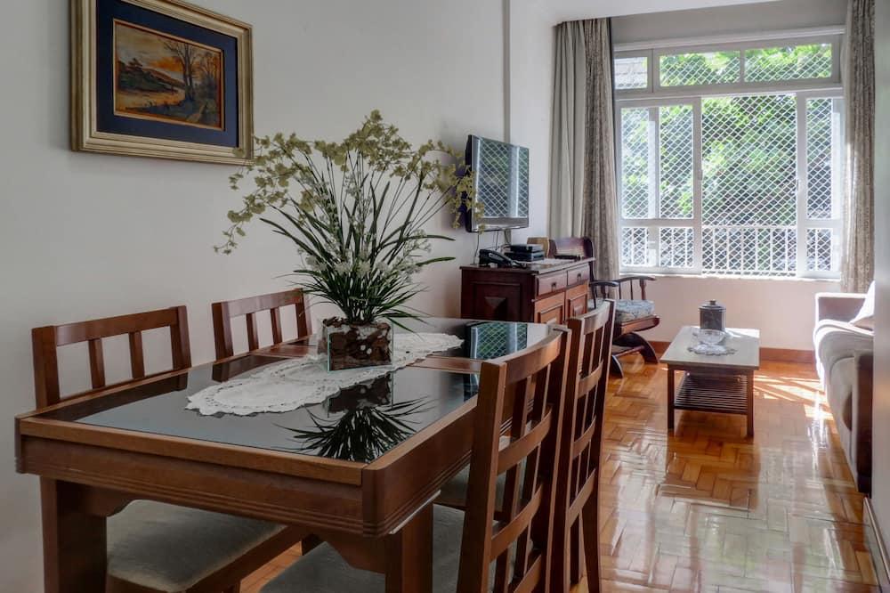 Appartement (C2-0030) - Eetruimte in kamer