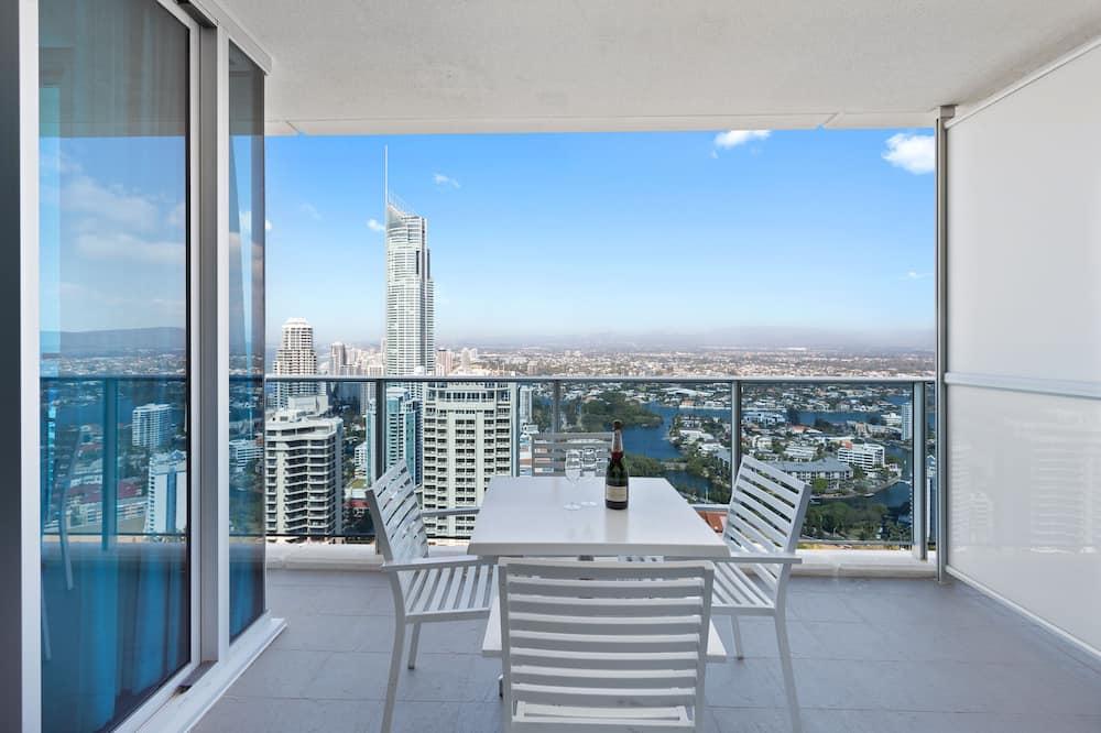 Apartment, 2 Bedrooms, 2 Bathrooms, Ocean View (Level 36) - Balcony