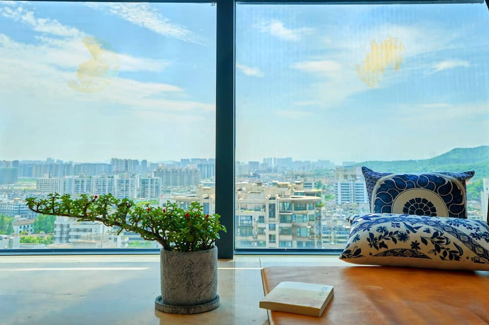 Chinese Style Apartment - Two Bedrooms - Room