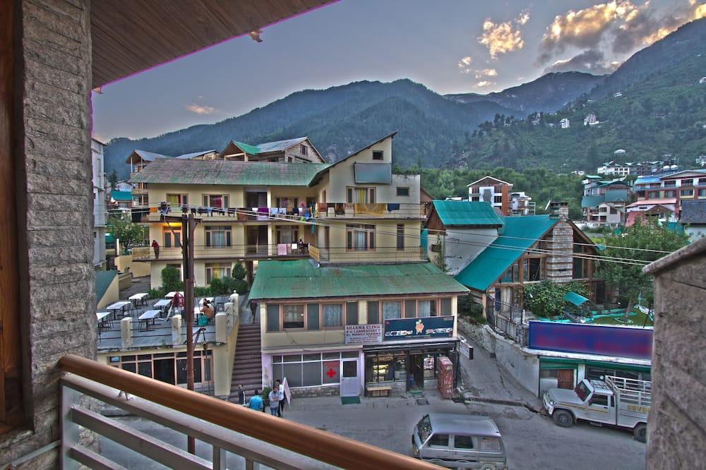 Premium Room Hill View with Balcony - Quang cảnh ban công