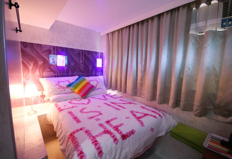 HK Sky House, Kowloon, Deluxe Double Room, Guest Room