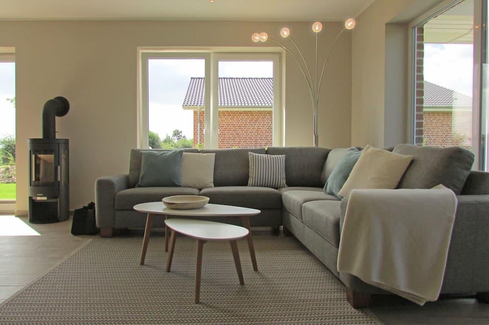 Family puhkemaja, 3 magamistoaga, terrass, vaade aeda - Lõõgastumisala