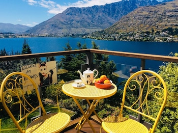 Picture of Breakfast at Tiffany's B&B in Queenstown
