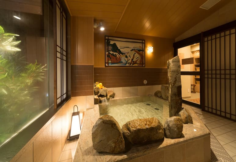 global cabin Tokyo Suidobashi, Tokyo, Indoor Spa Tub